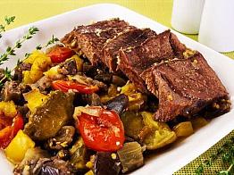Кабан по-венски с овощами
